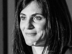 تانیا سیمونسلی